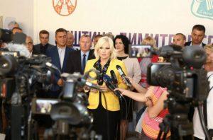 18.07.2019. DIMITROVGRAD  – MINISTARKA ZORANA MIHAJLOVIĆ SA NAČELNICIMA OKRUGA SRBIJE: NASTAVLJAMO SARADNJU I NA NOVOM INVESTICIONOM CIKLUSU